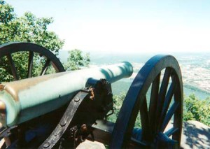 Cannon at the Chickamauga battlefield